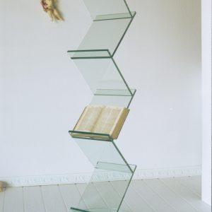 Gäserner Turm aus Glas